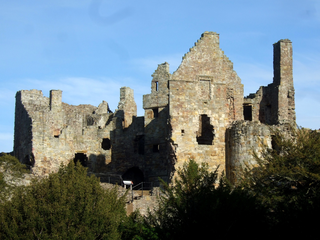 Dirleton Castle And Gardens The Castles Of Scotland