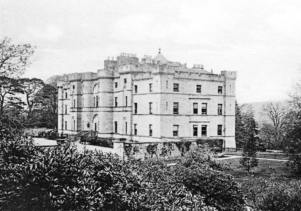 Large and ruinous old castle, held by the Kennedys of Culzean, replaced by a later mansion that is now also ruinous, near Maybole in Ayrshire in south-west Scotland.