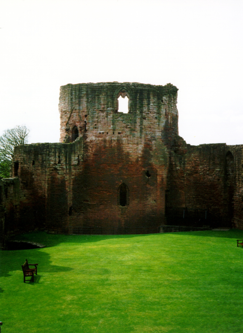 Main tower or keep of Bothwell Castle, a fantastic, large but ruinous early stone castle in a great spot above the Clyde, held by the Murrays, Hepburns and Douglases, near Uddingston in Lanarkshire.