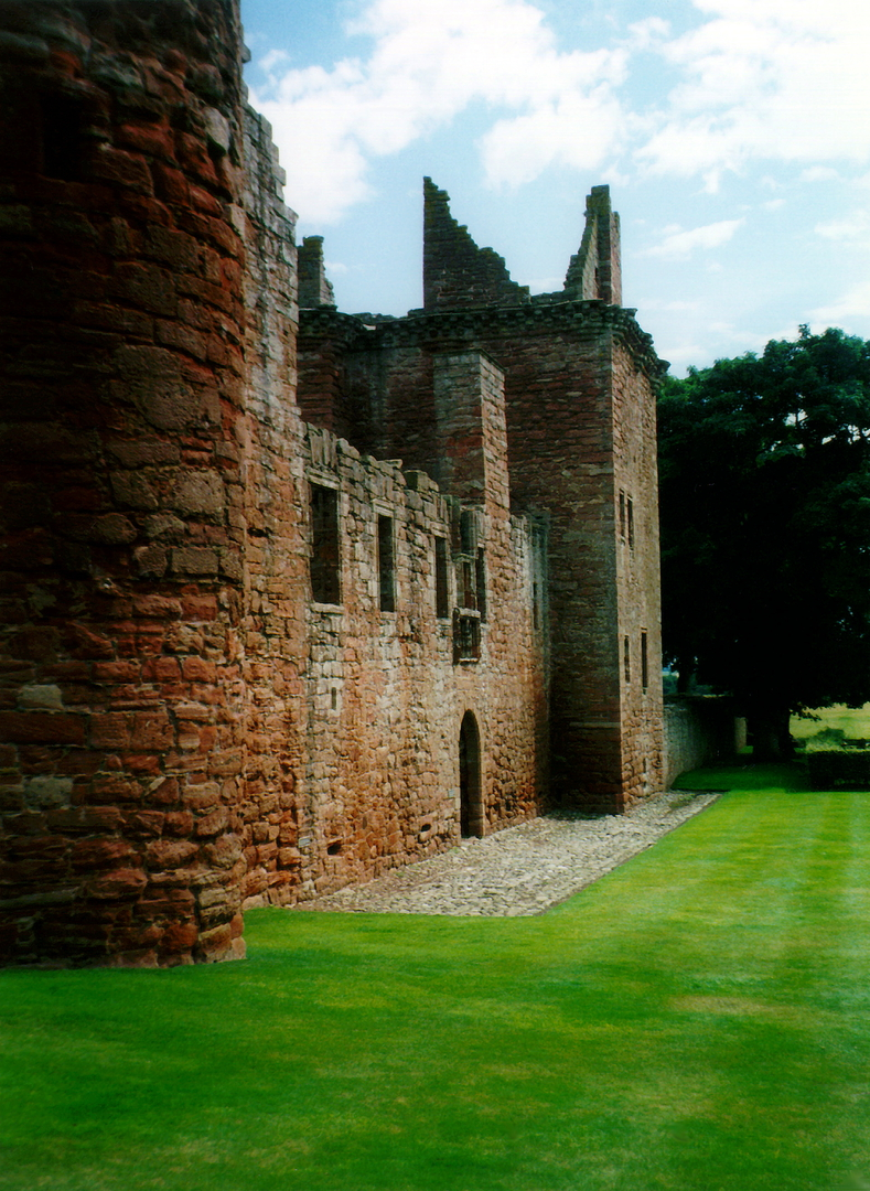 Edzell Castle | Gardens | The Castles of Scotland, Coventry ...