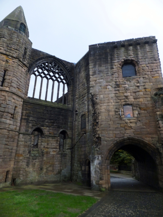 Dunfermline Palace and Abbey (gatehouse and gable of refectory) consists of the now ruinous royal palace and domestic buildings of the adjacent abbey, as well as the impressive church nave, in the heritage quarter of the burgh of Dunfermline in Fife