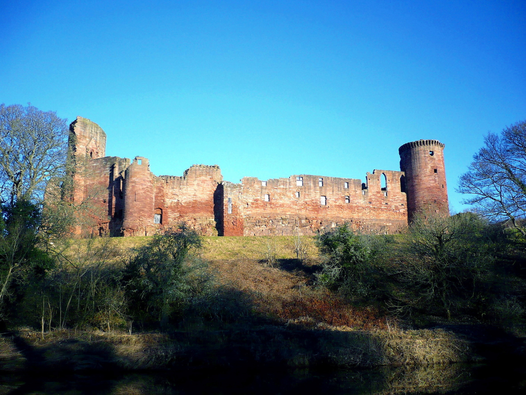 Bothwell Castle, a fantastic, large but ruinous early stone castle in a great spot above the Clyde, held by the Murrays, Hepburns and Douglases, near Uddingston in Lanarkshire.