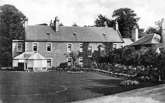 Inveresk House, Inveresk Lodge, Inveresk House and the Manor House are several of the old mansions and houses in the pretty and tranquil village of Inveresk, near Musselburgh in East Lothian.