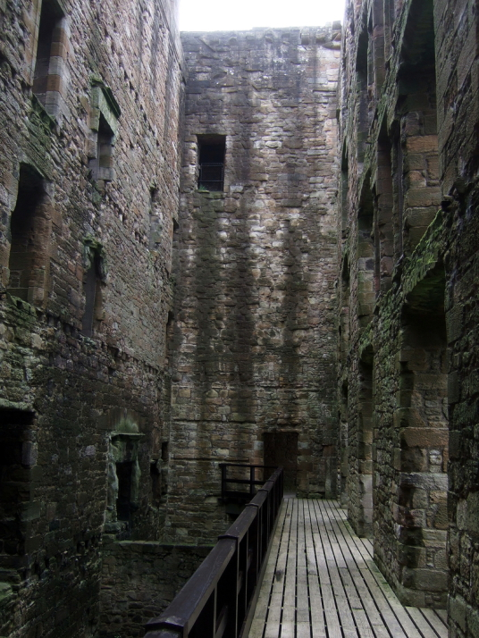 Wentworth Prison in Outlander / Linlithgow Palace