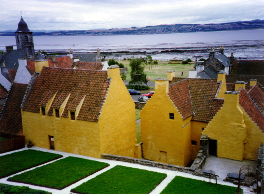 Cranesmuir in Outlander / Culross