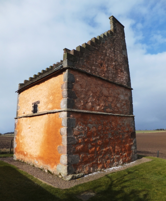 Doocot (dovecote), Athelstaneford is a pretty village in a scenic spot, site of an old castle of the Hepburns, with an attractive church and doocot, now home to a presentation about the saltire, the flag of Scotland, some miles from Haddington in East Lot