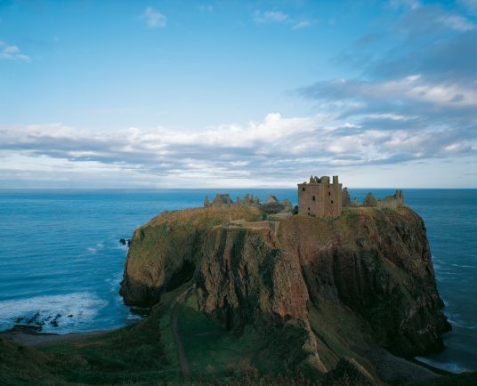 Dunnottar Castle, a spectacular cliff top fortress of the Keith Earls Marishcal, near the town of Stonehaven in Aberdeenshire.