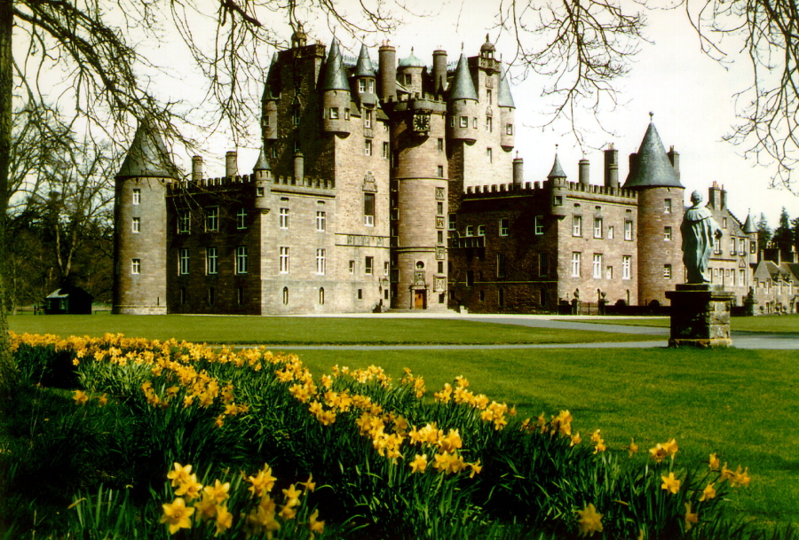 Glamis Castle And Gardens The Castles Of Scotland